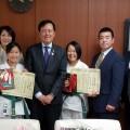三軒茶屋道場の石間萌花さん、菅野綾子さんが、世田谷区長を表敬訪問しました。(2016・12・7)