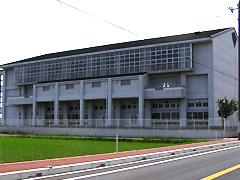 城南中学校の外観