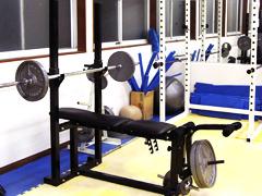 ウエイトトレーニング用の器具