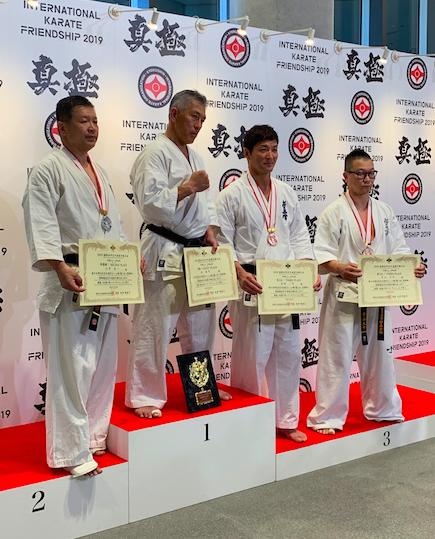中山さん 表彰式