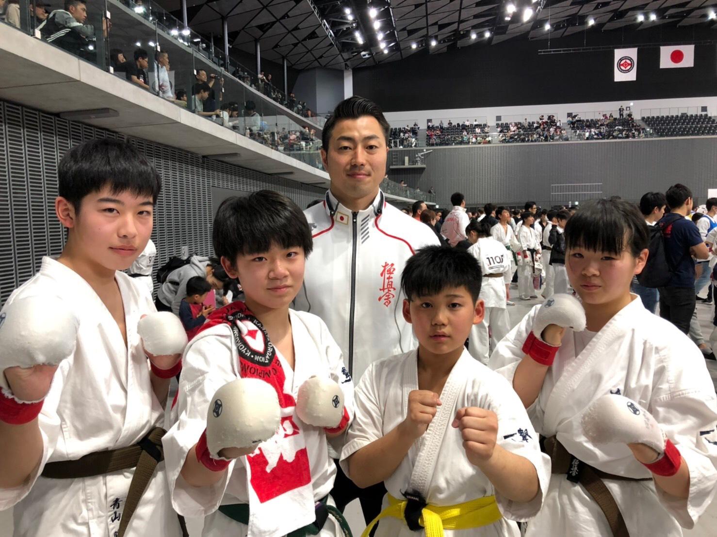 中学生と鎌田選手